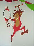 Eppo de aap slingert aan zijn trapeze